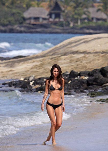 Megan Fox Photo - Megan Fox and Brian Austin Green at the Beach....I think imma go hide under a rock lol :(