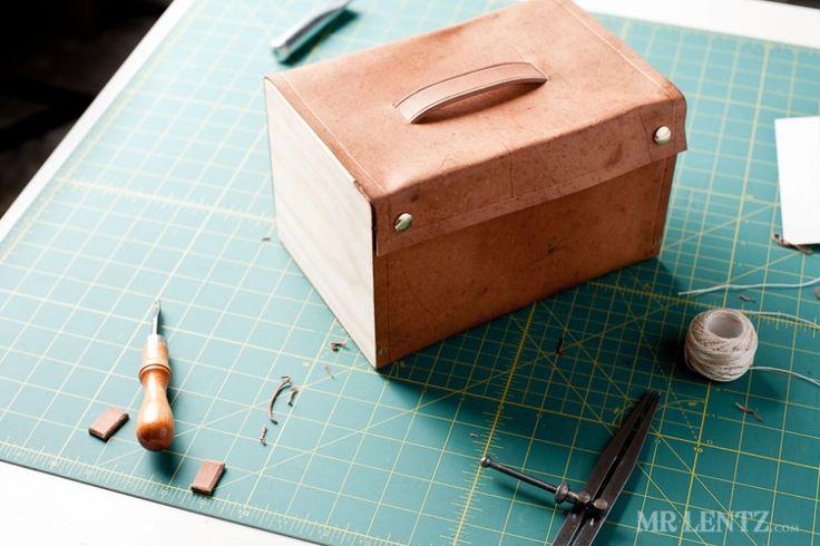 DIY-Anleitung für eine Lunchbox/Essensbox aus Holz und Leder via mrlentz.com