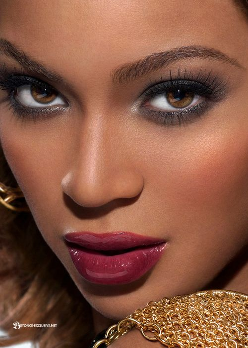Queen Bey face beat to tha Gods!!!!