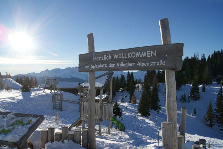 Auf geht's auf unseren Dobratsch. Ein traumhaftes Ausflugsziel um den Winter zu genießen. Egal ob zu Fuß, mit Tourenski oder Schneeschuhen - das Gipfelhaus ist für alle gut zu erreichen. Tip: Wer zu Fuß geht sollte den Schlitten für die Abfahrt mitnehmen.
