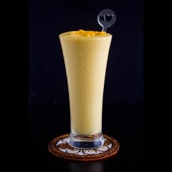 Mango, Yogurt, Honey = Mango Smoothie | Health | Pinterest