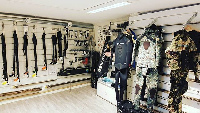 Check out @frivannsliv www.frivannsliv.no for some amazing freediving and spearfishing gear!  #spearfishingworld#spearfishingnorway#spearfishing#freedivingart#freediving#nature#life#norway#fish#hunt#hunting#suit#gun#visitnorway#instadaily#instagram#photooftheday#instagood