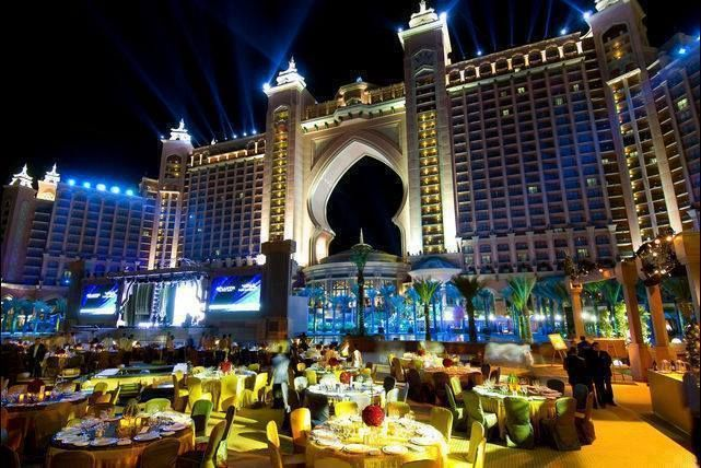 32 best things that make us smile images on pinterest for Beautiful hotels in dubai
