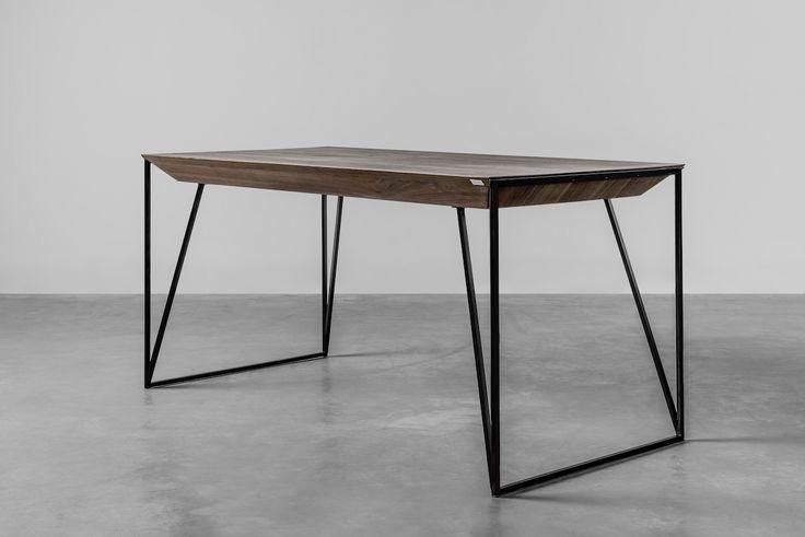 Design table made by hoom. #dinningtable #table #americanwalnut #designtable