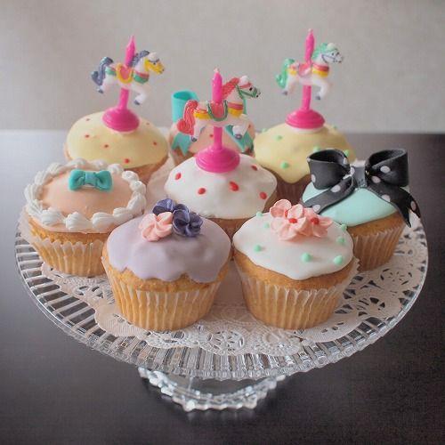 cute cupcakes by micarina   あまやかなメリーゴーランド : 「かわいいお菓子 micarina 」atelier diary