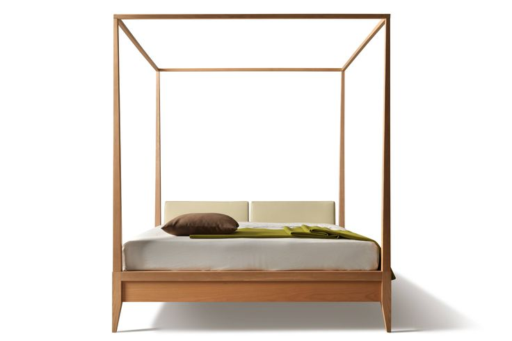 VALENTINO. Bed made of cherry wood with baldachin and upholstered headboard. Design by MAAM
