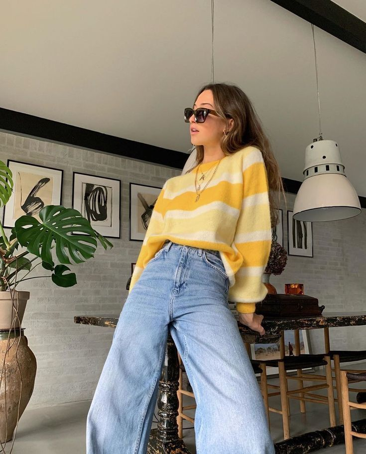 Aesthetic Fashion Clothes 90s Yellow Blue Jeans Sweater 80s Vintage Tumblr Outfi Yellowaestheticvin Fashion Inspo Outfits Retro Outfits 90s Fashion Outfits
