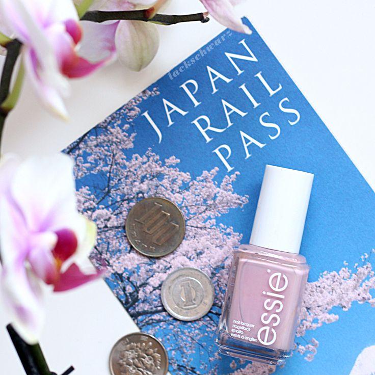essie | go go geisha | nails | playing koi kollektion | essieliebe |japan |lackschwarz