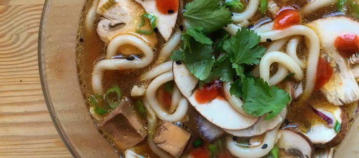 Sopa de miso con fideos y champiñones (El comidista)