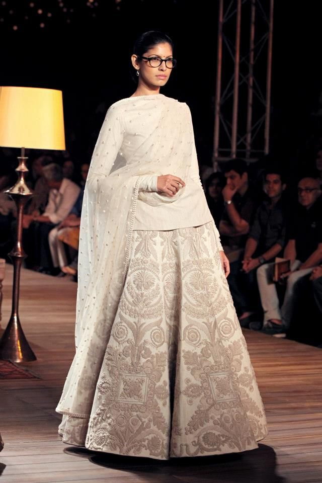 PCJ Delhi Couture Week 2012 - Sabyasachi - Fashion Blog - For All Things Beautiful - The Purple Window