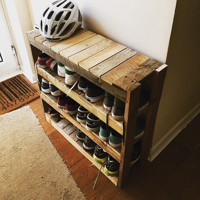Love my shoe rack!! #pallet #woodwork #palletwoodprojects #palletproject #palletprojects #recyclewood #shoerack