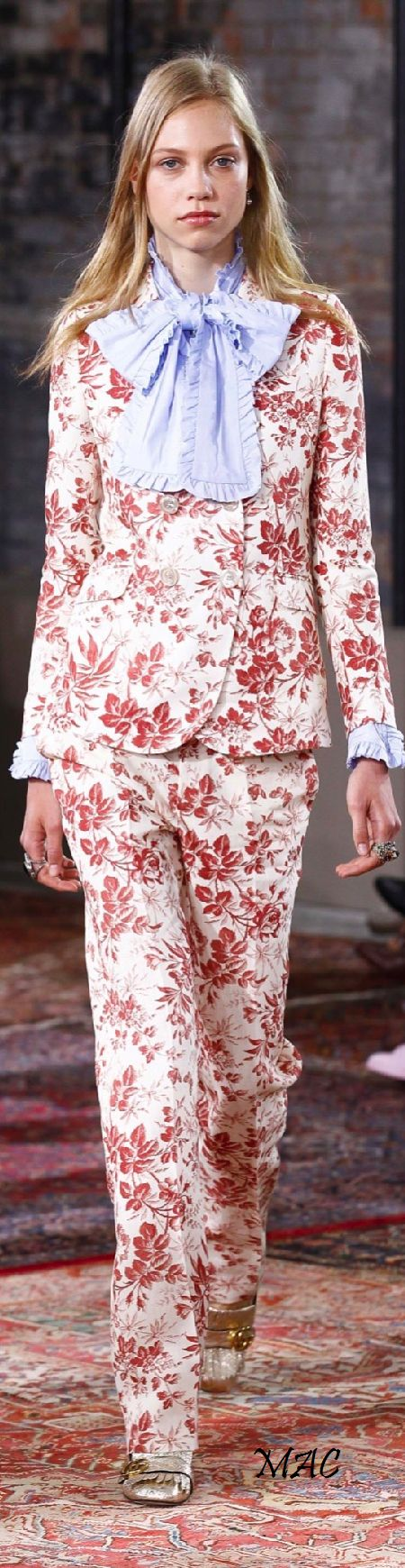 Resort 2016 Gucci women fashion outfit clothing style apparel @roressclothes closet ideas