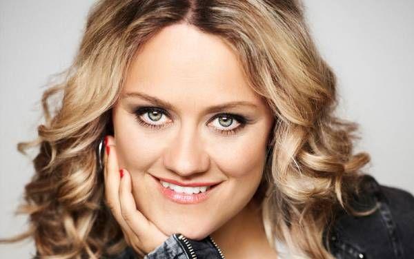 """#Lisa Feller #Event #Am #Samstag, #den 28. #Januar, #ist #Lisa Feller #mit #der Preview ihres brandneuen Programms """"Der #Naechste, bitte!"""" #zu #Gast #in #der #Stummsche #Reithalle #in #Neunkirchen. #Lisa Feller #ist #gern gesehener #Gast #in #Shows #wie #tv #total, Quatsch #Comedy #Club (Pro7), Nightwash, Ottis Schlachthof #und Ladiesnight(WDR), Schauspielerin (Schillerstrasse, Spezialeinsatz, #Schloss Einstein), #Mitglied http://saar.city/?p=42263"""