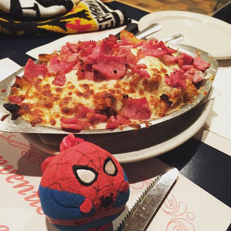 Who can say no to the smoke meat poutine at Angela Pizzeria! So much chheeeessse! #SpiderSphere #foodie #mtlfood #yummaaay #nomnomnom #smokemeat #cheese #MTL
