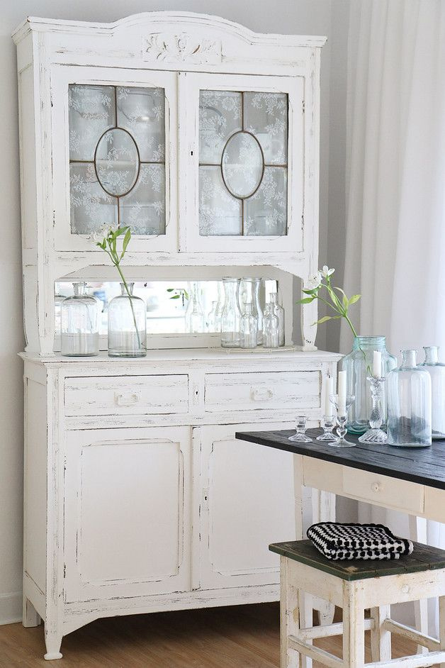 1000 ideas about shabby chic buffet on pinterest tv stands dining rooms and shampoo bowls. Black Bedroom Furniture Sets. Home Design Ideas