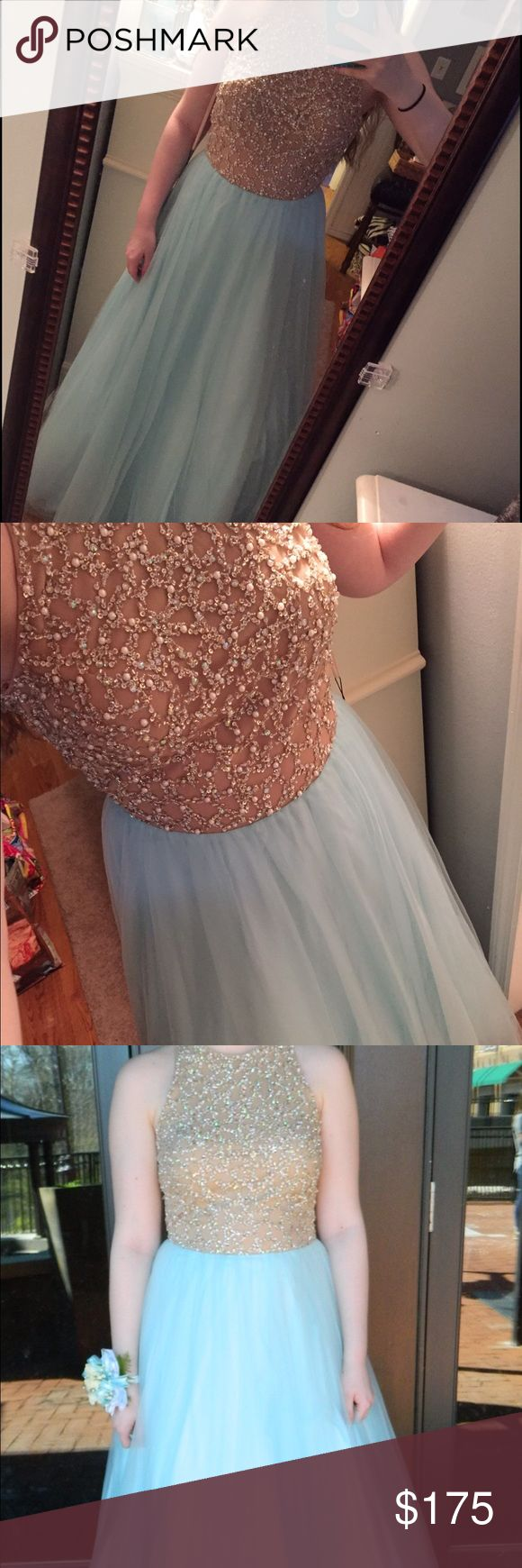 Prom Dress Prom dress in good condition. Wore it one time and had it altered to touch the ground when I was wearing 1.5 inch heals and I am 5 foot 7 inches. von maur Dresses Prom