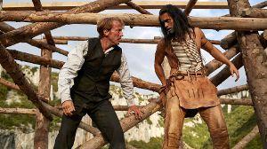 Old Shatterhand (Wotan Wilke Möhring) und Winnetou (Nik Xhelilaj) in 'Winnetou - Eine neue Welt'. (Quelle: RTL)