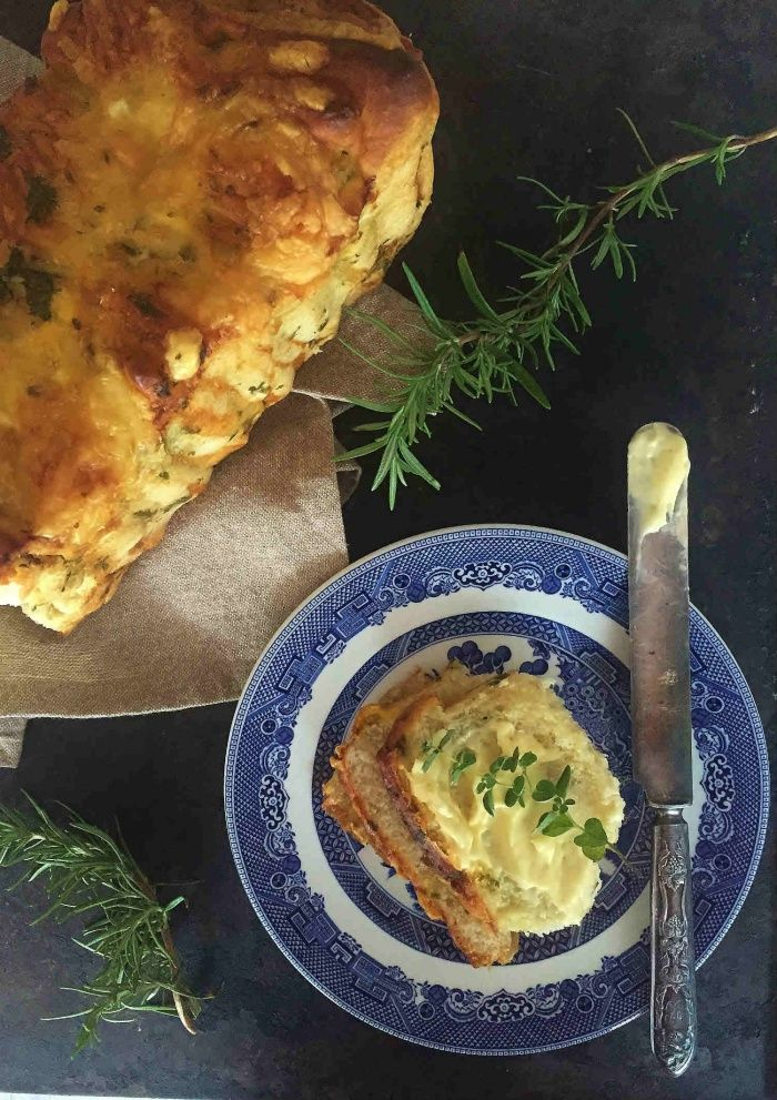 Herby Cheezy Pull Apart Bread