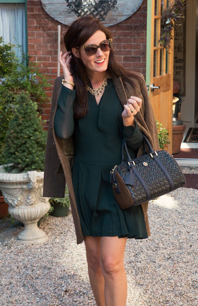 Sarah Vickers of Classy Girls Wear Pearls wears a TORY BURCH dress and bag, RALPH LAUREN jacket, and GUCCI sunglasses.