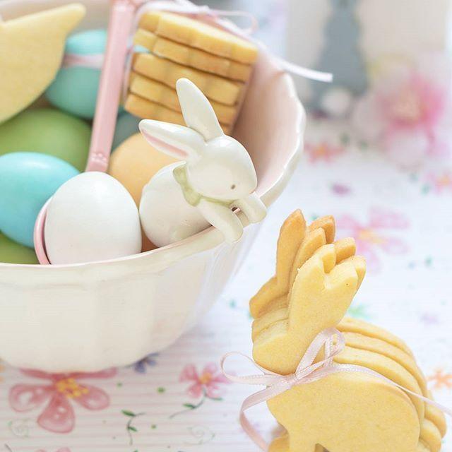 Buona serata a tutti. Le frolle alla vaniglia da utilizzare come segnaposto o idea regalo sono sul blog! Vi aspetto!
