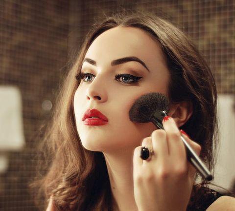 pin up perfection: Red Lipsticks, Make Up, Hair Makeup Nails Skin, Christmas Makeup, Dramatic Eyeliner, Eyebrows, Paintings Brushes, Black, Gold Eye