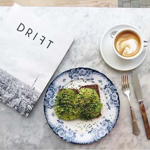 Avocado toast at Atelier September in Copenhagen. #regram from @isabelcasti cc @atelierseptember @driftmag  Tag your pics with both #lefooding and @lefooding and we'll regram our favorites!