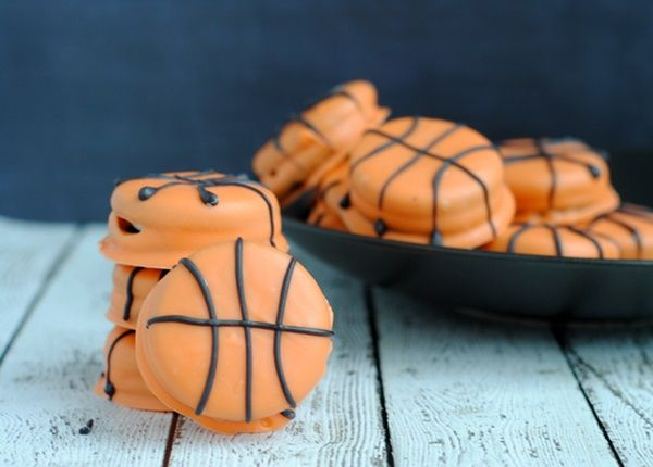 This March Madness Recipe for easy Slam Dunk Basketball Cookies is sure to be a hit at any party or as a sweet treat. It's simple to prepare and is sure...