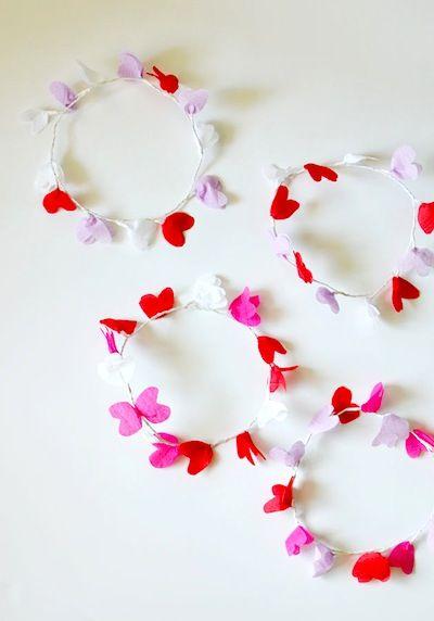 Cakies diy crepe paper heart crown Valentine's Day craft