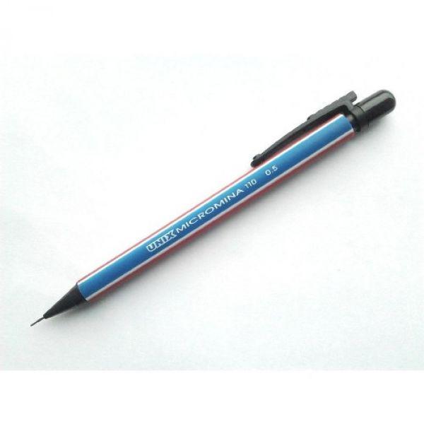 Már rég feltalálták a mechanikus ceruzát és elődjét a töltőceruzát, de a grafit ceruza mégsem ment ki divatból.