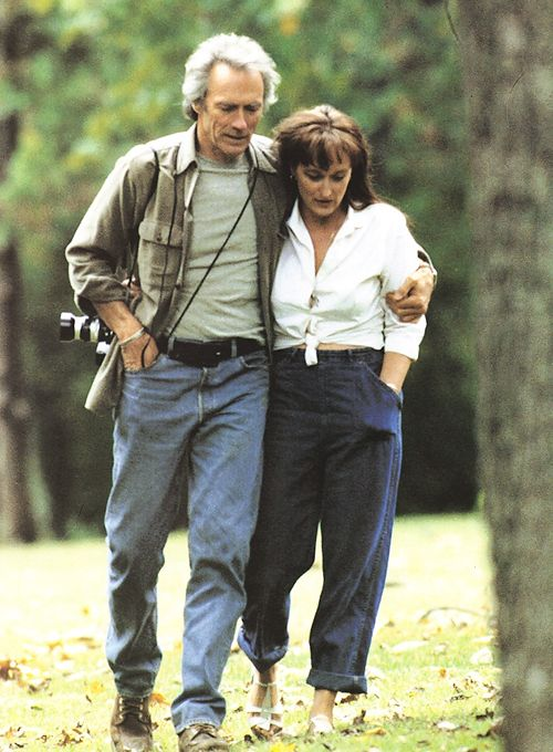 "Meryl Streep & Clint Eastwood in ""The Bridges of Madison County""  http://videa.hu/videok/film-animacio/a-sziv-hidjai-teljes-film-amerikai-drama-romantikus-FLQdnE5hGRjWY8A8 A szív hídjai /The Bridges of Madison County/ magyarul beszélő, amerikai romantikus dráma, 135 perc, 1995  Robert Kincaid:	 Clint Eastwood Francesca Johnson:	 Meryl Streep"