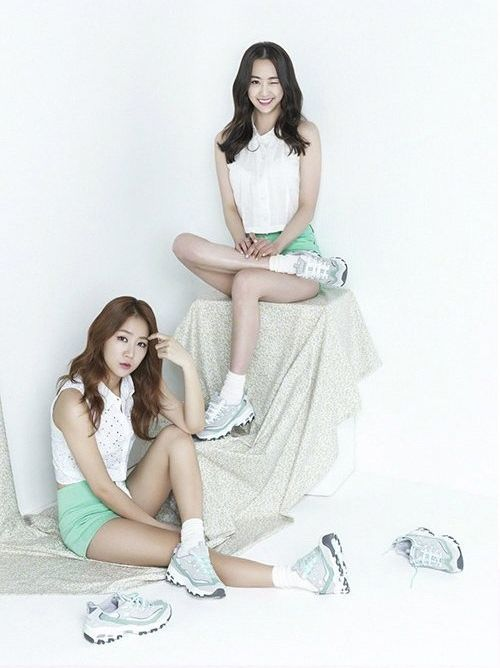 SISTAR members Dasom and Soyou in Skechers D'lites Ad Campaign