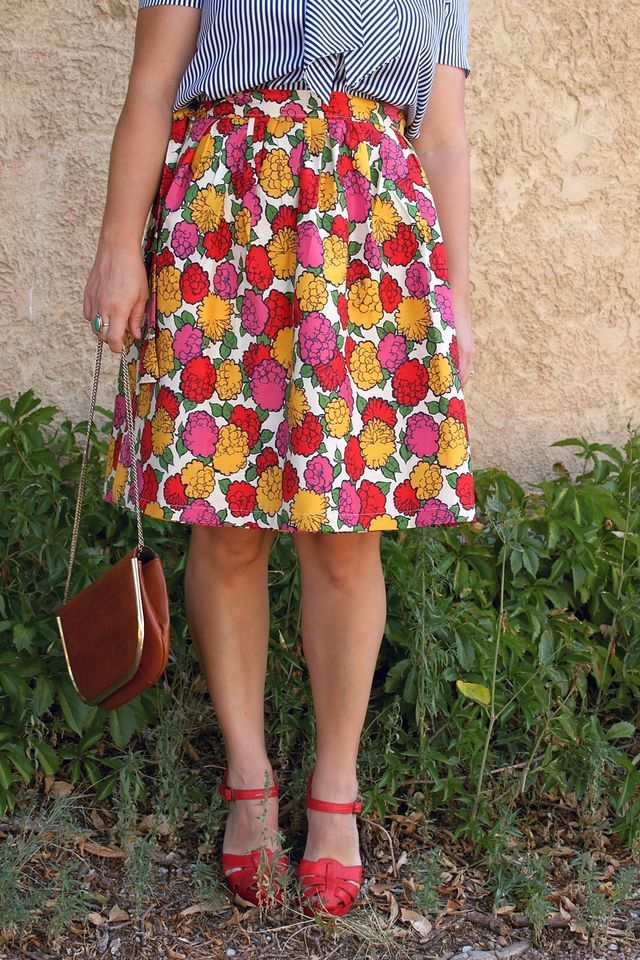 how to make a wrap skirt...perfect...always falling in love with wrap skirts at thrift stores anyway! :)