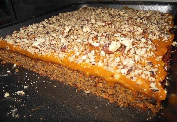 Mrkvovo makový koláč s tekvicovým pyré
