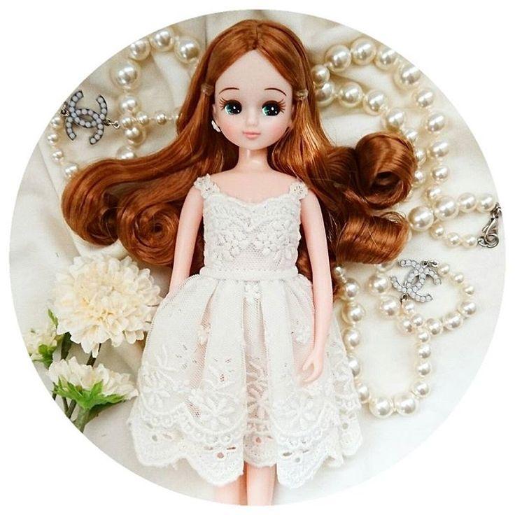 とうとう箱入り娘クリスマスリカ様を開封!  届くのをずっと待っていたこのワンピース👗  最初に着せる子はこのリカ様と決めておりました…  あー可愛い。可愛いし美しいし、もうひれ伏すしかない…  髪の毛がとってもキレイだから巻き髪フェチにはたまりません!(о´∀`о)    #リカちゃん  #リカちゃんキャッスル  #クリスマスリカちゃん