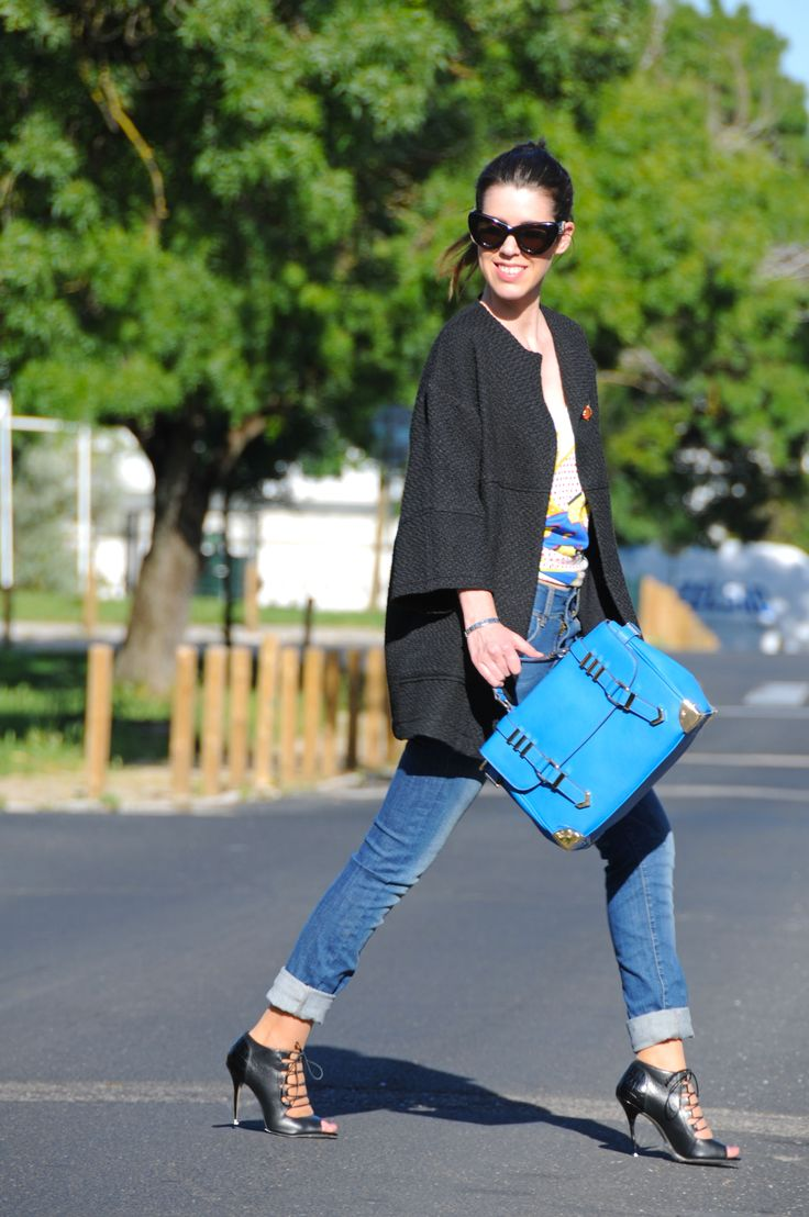 Sunnies from celine, jeans G.Sel, coat from portuguese Brand MO and bag and sandals from Aldo!