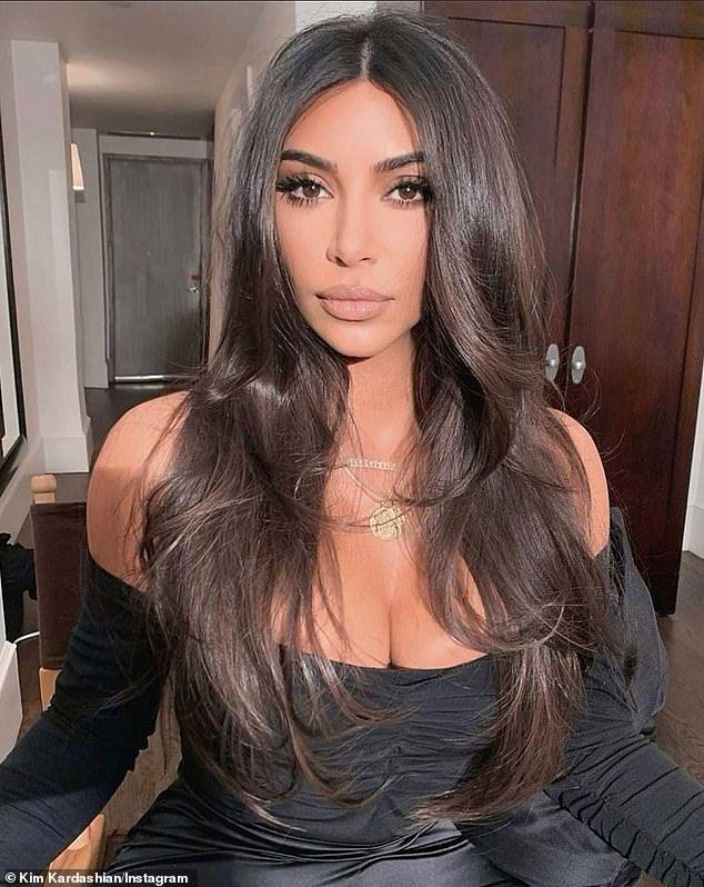 Kim Kardashian Ponytail In 2020 Kardashian Hair Color Kardashian Hair Kim Kardashian Hair