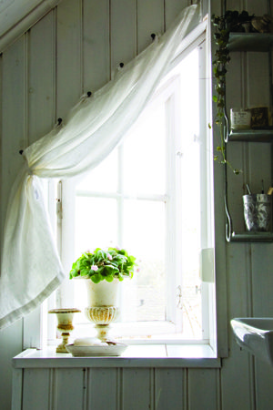 Best 25 Wall Curtains Ideas On Pinterest Curtains On Wall Flat Sheet Curtains And Room