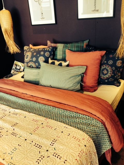 Embroidered bedspread, cotton printed pillowcases AHIMSA SHOP-CANNES-FRANCE