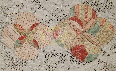 Un Detalle Precioso: Tutorial: Flor hecha con círculos. La vez pasada les hablé del por qué considero primordial saber cortar círculos (o si no tienes pulso, tener un buen perforador o troquel) ya que esta figura nos resulta muy versátil a la hora de adornar cualquier trabajo de manualidades. Ahora, te muestro un tutorial de cómo hacer una linda flor básica con círculos. #scrapbooking