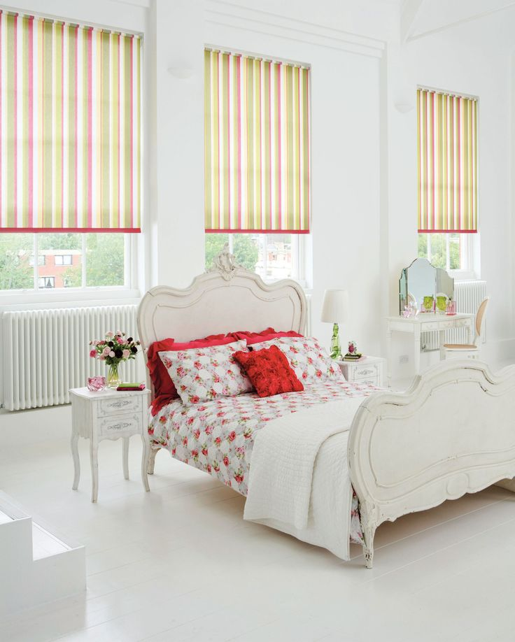 Lola Calypso style blinds. These blinds are #wirefree #wireless #nowires #remotecontrol #smartphoneapp #tabletapp #noelectricianrequired #childsafe #cordless #largewindows #smallwindows #windowblinds #windowshades #windowcoveringsolution #prettywindows #childfriendly #smartblinds #homedesign #kitchenblinds #interiordesign #redesign #bathroomblinds #bedroomblinds #lounge