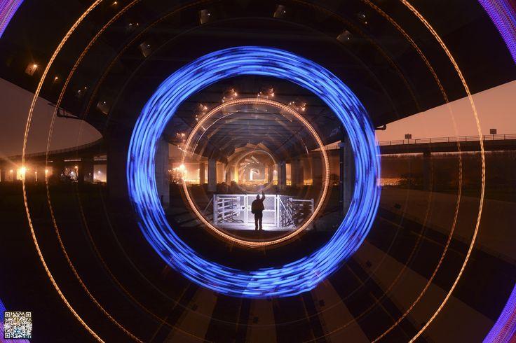 Light Painting - Light Art - Mart Barras - Bridging the gaps - Nikon D7100 - f/5.6, 13.0mm, ISO200, 180 - 4/12/2014