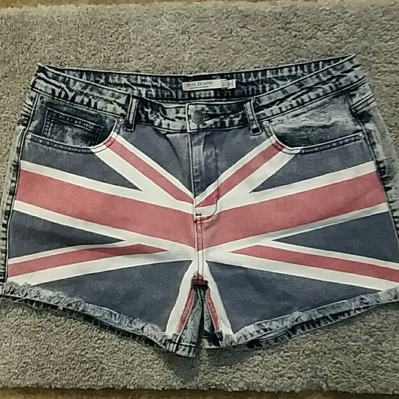 REBEL FLAG SHORTS Super cute on, excellent condition, size says XL which computes to a 14/16 size. Iris Jeans Shorts Jean Shorts