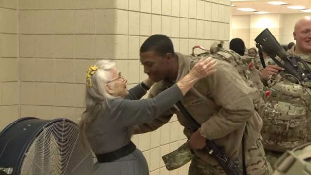 "​Angel Wings: Elizabeth Laird, ""Hug Lady"" to The Troops, Dies on Christmas Eve"