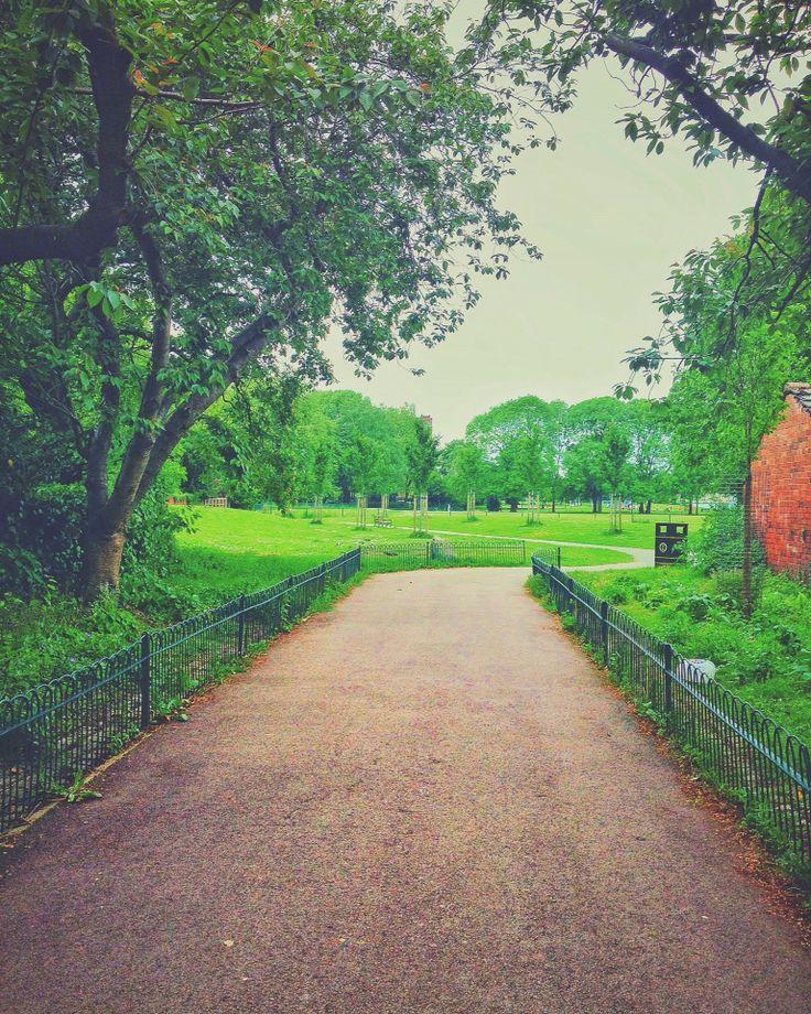 Good morning instagramers!! #morning #green #beautiful_place #park #park_garden #freshness #walking #nature #nature_perfection #nature_photography #nature_brilliance #onmyway #wanderlust #explorer #travelingram #everlasting #evergreen #lovely #photooftheday #momentoftheday #sunnyday #ks