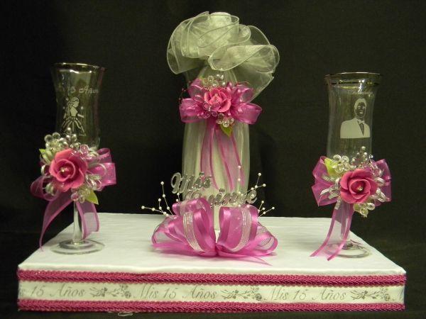 copas para brindis de quinceaneras decoradas   Set cencillo de brindis con botella y copas decoradas