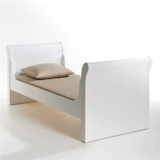 lit bateau caspar ampm prix avis u notation livraison classique ce lit bateau aux lignes douces. Black Bedroom Furniture Sets. Home Design Ideas