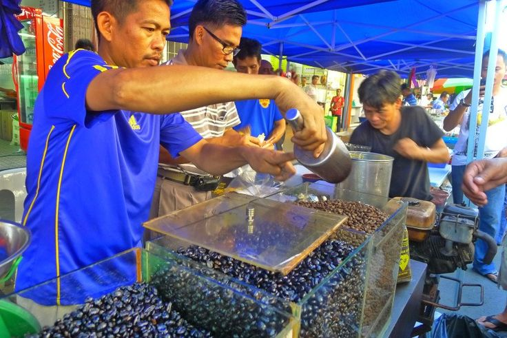 If you're in Kota Kinabalu on a Sunday, you should not miss the Gaya Sunday Street Market. Formerly known as Bond Street, Gaya Street is situated in the Central Business District of Kota Kin…