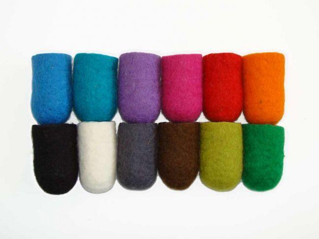 available colours felt: blauw, turquoise, lila, pink, rood, oranje, zwart, wit, grijs, bruin, lichtgroen, groen