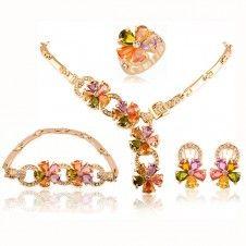 Set bijuterii design floral Safiria placate cu aur galben 18k si cristale austriece
