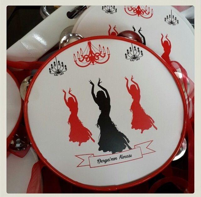 By minenindunyasi _ henna night in istanbul- hen party- kina gecesi- mum- mumluk- hediyelik- kına tepsisi - kırmızı- pembe- mavi- tef